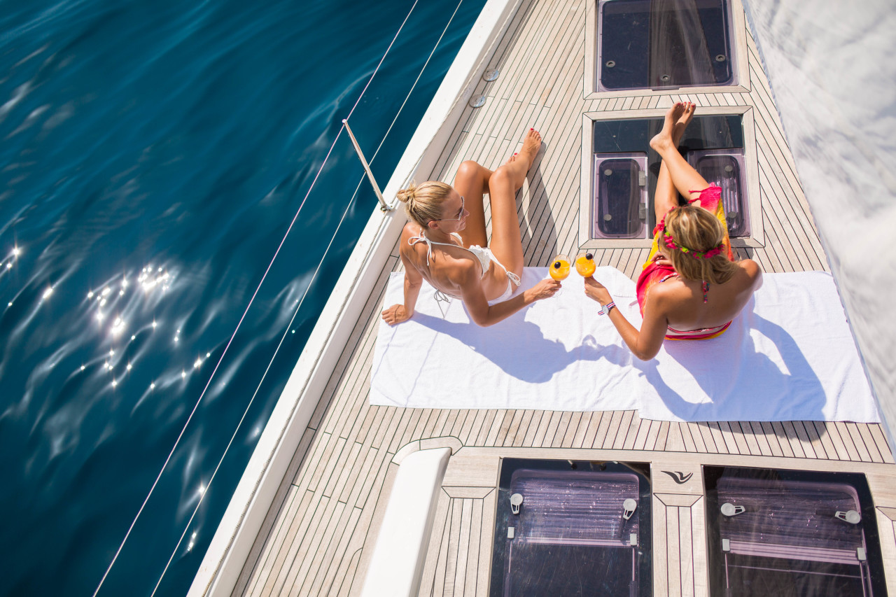 Fine yachting within reach | Navigare /na·vi·gà·re/
