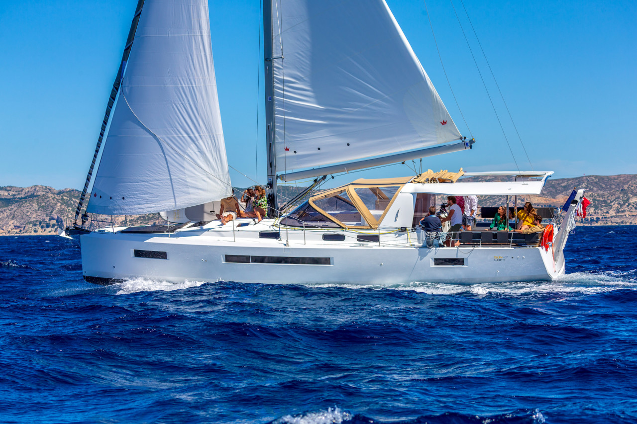 THE JEANNEAU SUN LOFT 47 MAKES ITS DEBUT WITH NAVIGARE YACHTING