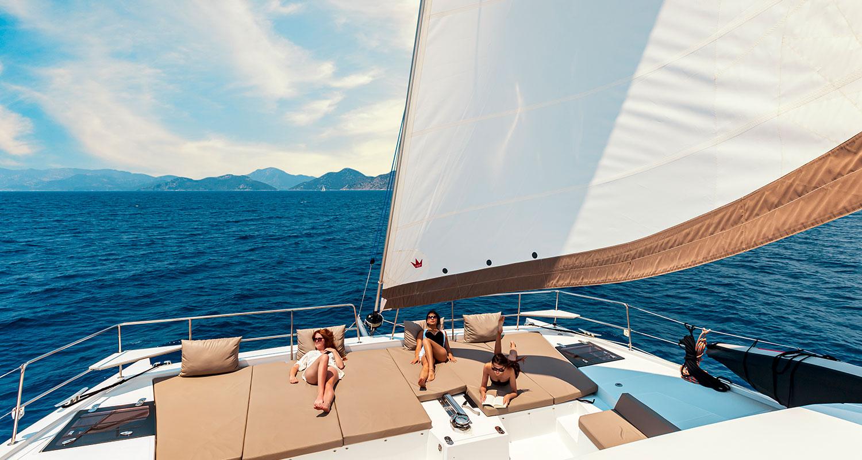Yacht-Sales.jpg