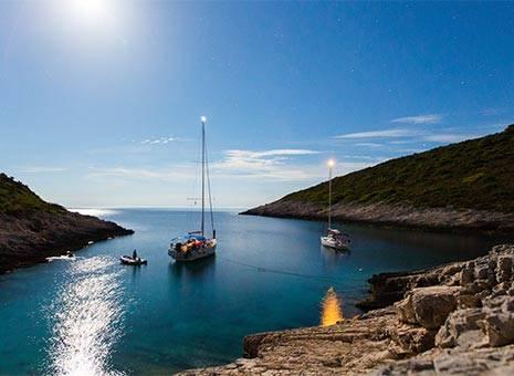 Septmeber discount Yacht Charter