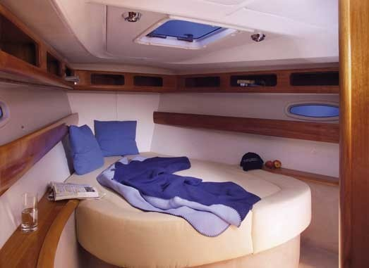 Bavaria 42 Cruiser, Imagine