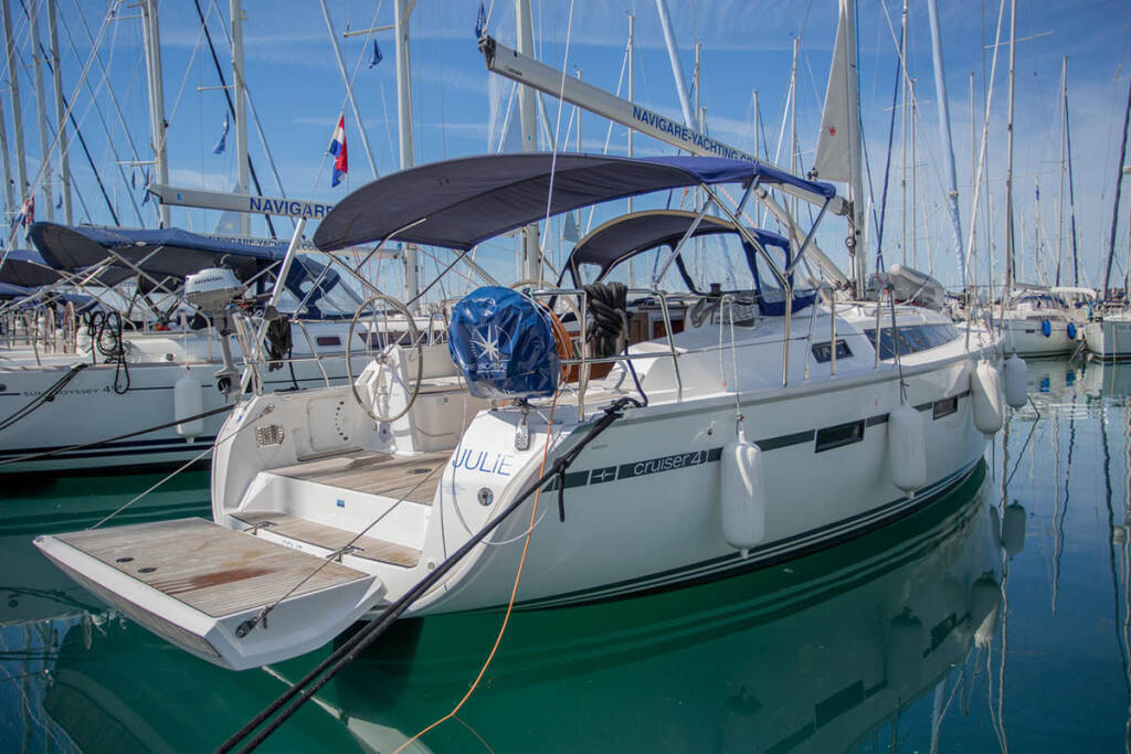 Bavaria Cruiser 41, Julie