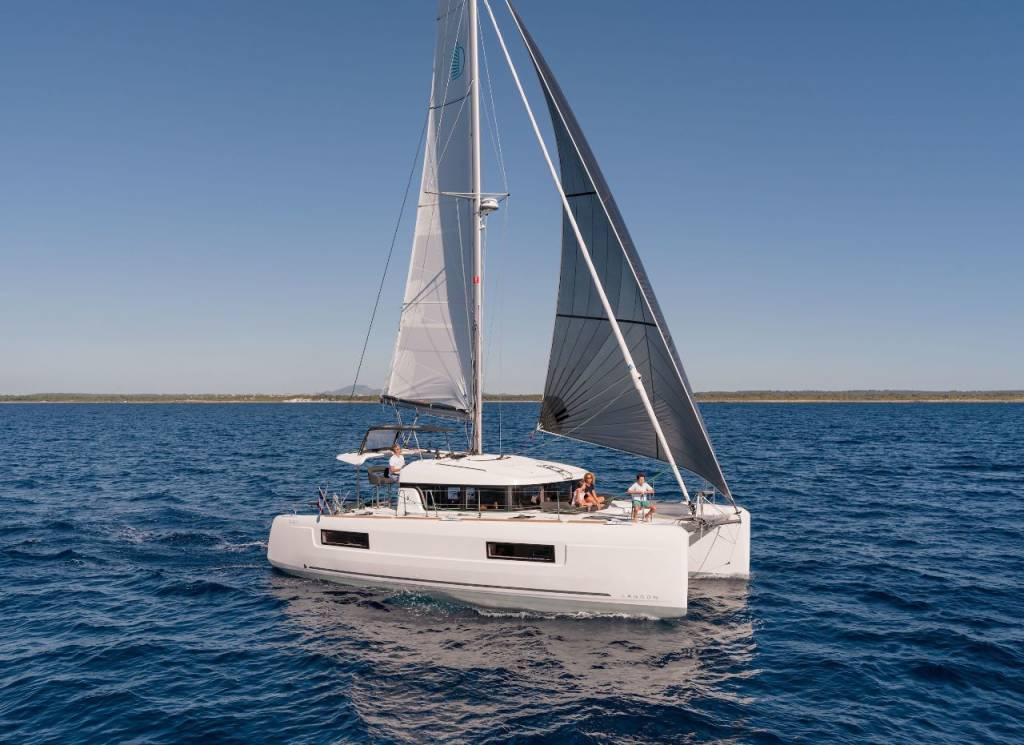 Lagoon 40, Lyrica Bella