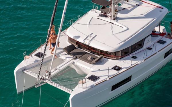 Lagoon 40, Nathalie (sun - Cabin charter) port bow