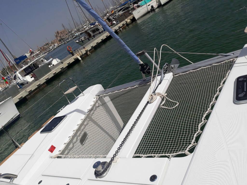 Lagoon 40, Nathalie - Cabin charter (SUNDAY) port stern