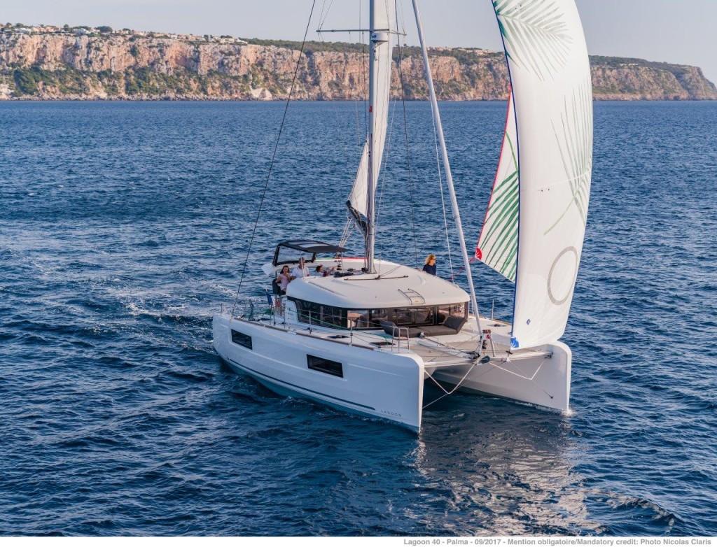 Lagoon 40, Nathalie (sun - Cabin charter) port stern
