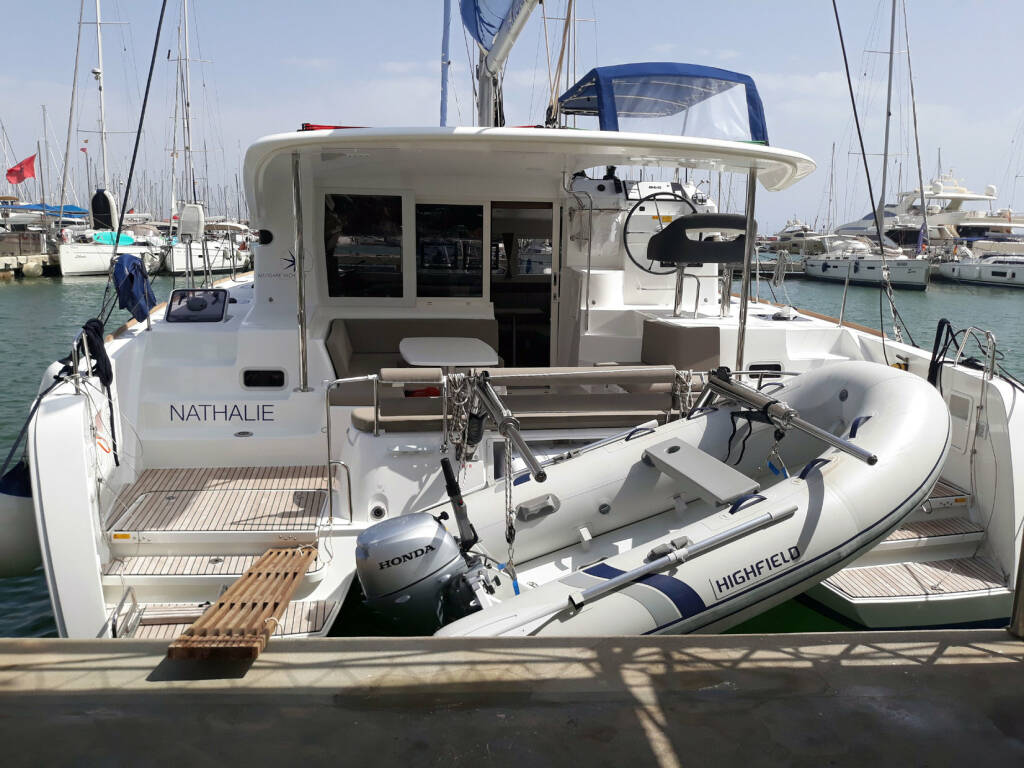 Lagoon 40, Nathalie - Cabin charter (SUNDAY) starboard bow