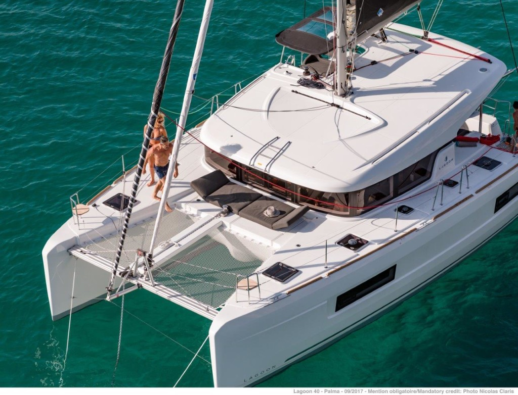 Rent a Boat Lagoon 40 in Spain - Mallorca - Marina Naviera