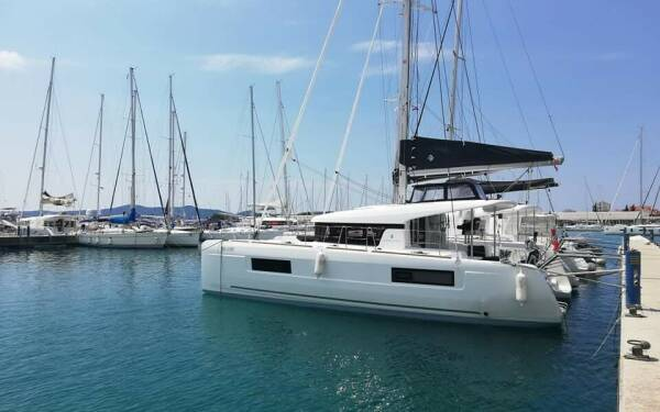 Lagoon 40, LADY BIRGITH