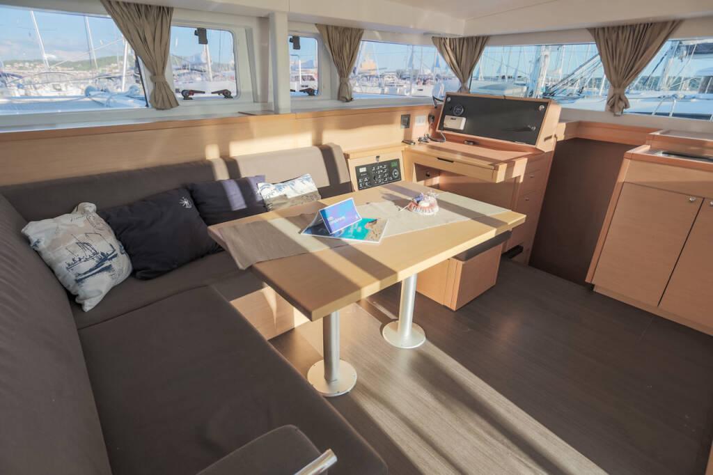 Lagoon 400 S2, Treanne (Cabin charter) port stern