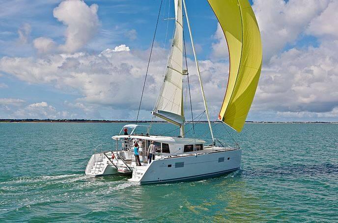 Lagoon 400 S2, Treanne (Cabin charter) starboard stern