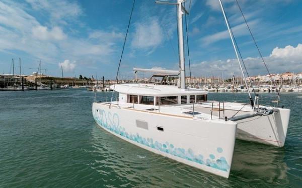 Lagoon 400 S2, Wonderland (Cabin charter) starboard stern