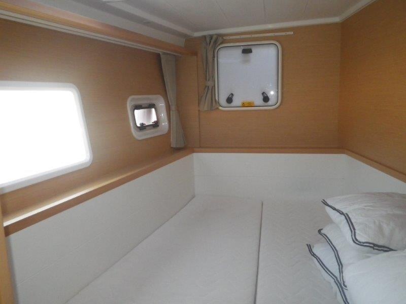 Lagoon 400 S2, Jema (Cabin charter) port bow