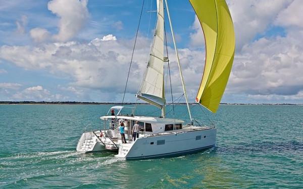 Lagoon 400 S2, Jema GRE (Cabin charter) starboard bow