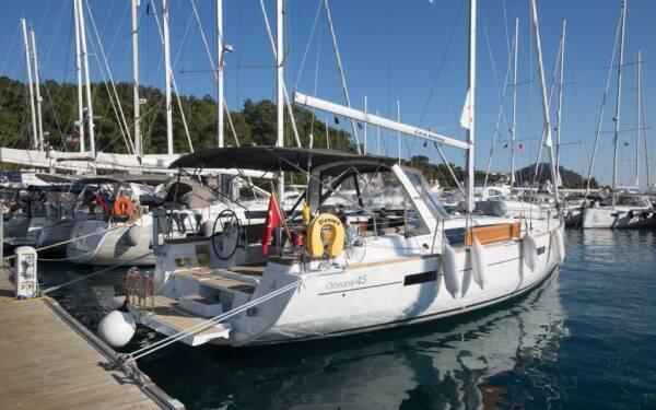 Oceanis 45, Dianora