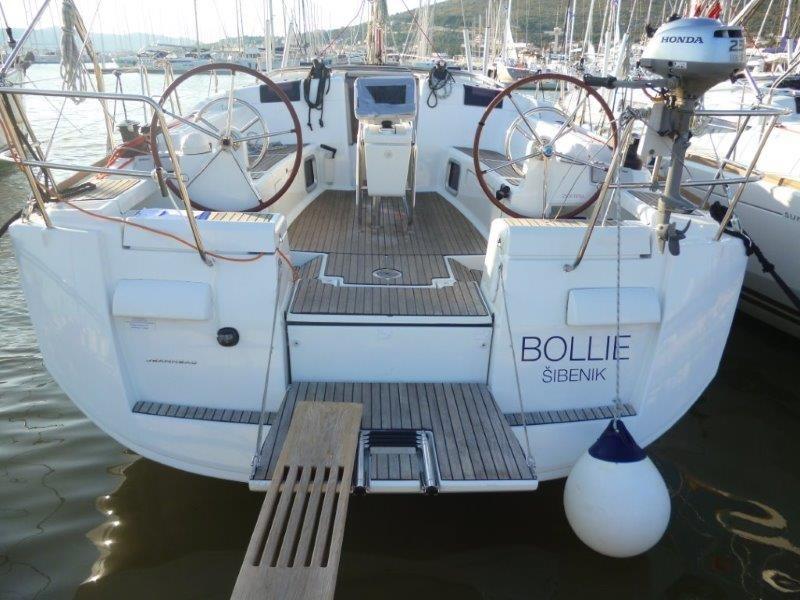 Sun Odyssey 439, Bollie