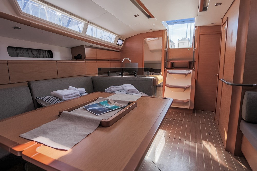 Sun Odyssey - DOUBLE CABIN, Sailing school - double cabin